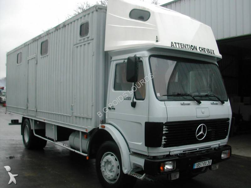camion chevaux occasion mercedes. Black Bedroom Furniture Sets. Home Design Ideas