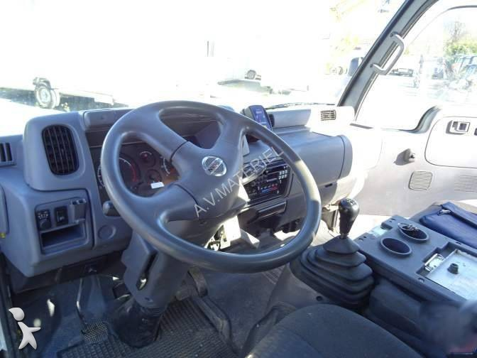 camion nissan nacelle cabstar euro 4 occasion n 1652975. Black Bedroom Furniture Sets. Home Design Ideas