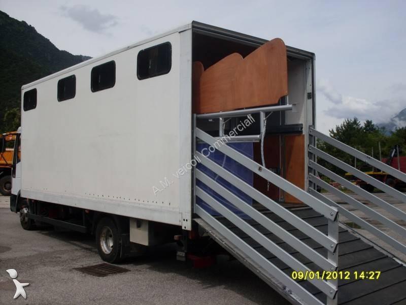 Camion per trasporto cavalli pompa depressione for Box cavalli usati vendo
