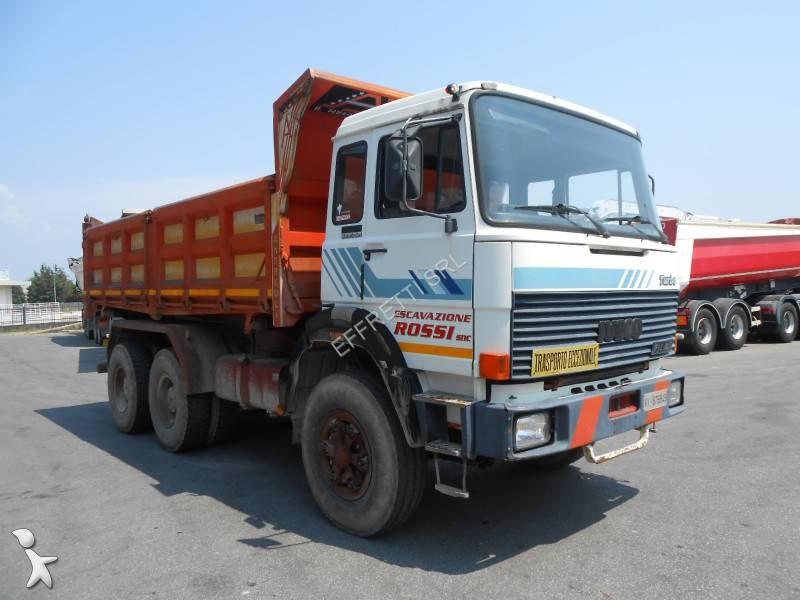 Camion iveco ribaltabile trilaterale 6x4 gasolio for Effretti usato