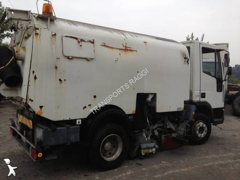 photos engin de voirie iveco camion balayeuse iveco. Black Bedroom Furniture Sets. Home Design Ideas