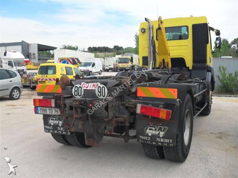Camion renault polybenne guima kerax 300 4x2 gazoil euro 2 for Garage martel grigny