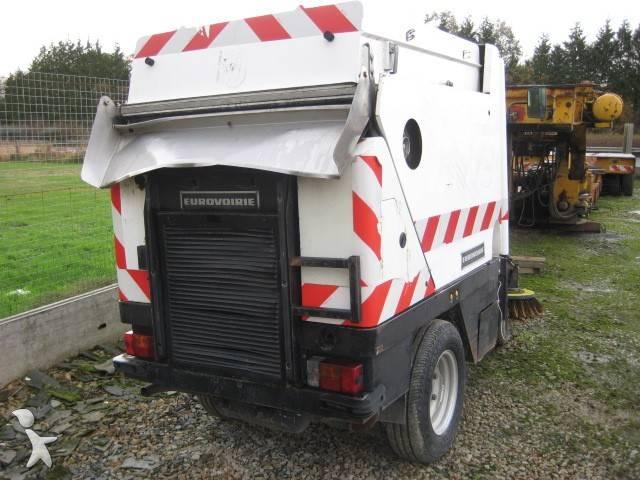 photos engin de voirie eurovoirie camion balayeuse eurovoirie occasion 420187. Black Bedroom Furniture Sets. Home Design Ideas