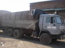 camión remolque caja abierta teleros Kamaz usado