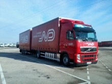 camion cu remorca obloane laterale suple culisante (plsc) Volvo second-hand