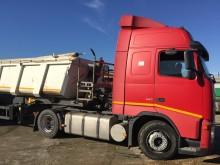 alt camion cu remorca Volvo second-hand