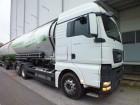 camion cu remorca cisternă transport pulverulent MAN second-hand