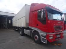otro camión remolque Iveco usado