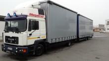 camión remolque lonas deslizantes (PLFD) MAN usado
