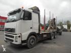 camion cu remorca transport buşteni Volvo second-hand