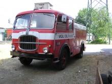 camión remolque bomberos usado