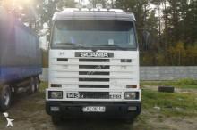 tractora semi lona corredera (tautliner) caja abierta entoldada Scania usada