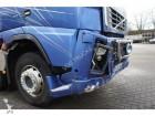 tractora semi maderero Volvo accidentada