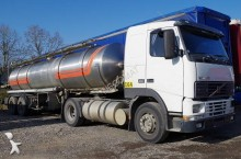 ensemble routier citerne Volvo