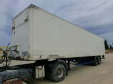 semirremolque furgón Fruehauf usado