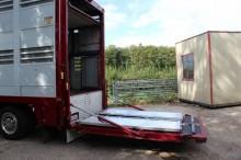 semirimorchio trasporto bovini usato