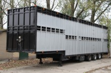 KWB 2 STOCK CATTLE/COW CARRIER!! semi-trailer