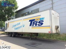 Trailor gesloten bak semi-trailer