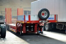 Mega flatbed semi-trailer