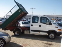 camioneta trilaterala Iveco second-hand