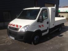 camioneta bilaterala Iveco second-hand