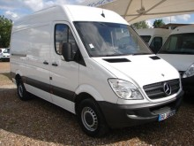 furgon dostawczy Mercedes używany