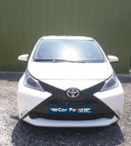 automobile citycar Toyota