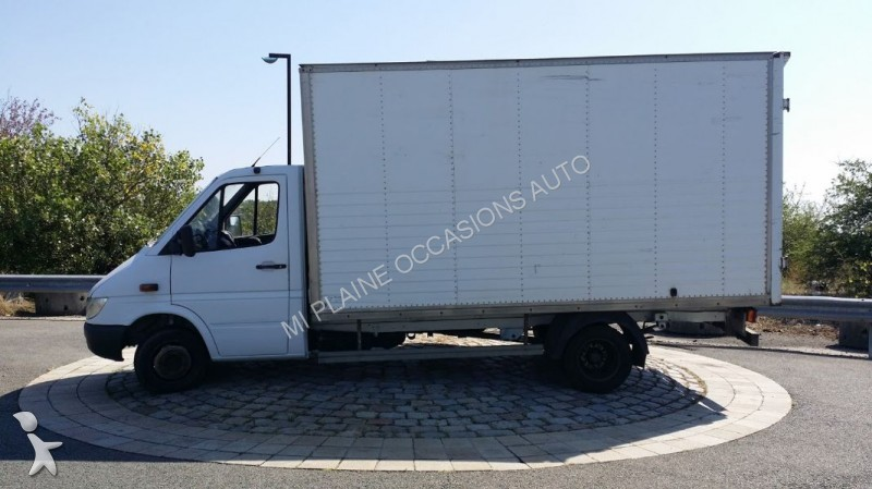 fourgon utilitaire mercedes sprinter 411 cdi caisse moteur a chaine occasion n 1809698. Black Bedroom Furniture Sets. Home Design Ideas