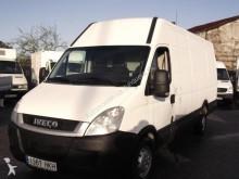 utilitario furgón Iveco usado