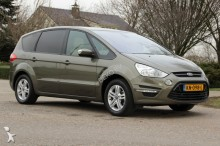 Ford MPV car