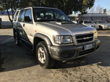 automobile 4x4 / SUV Isuzu