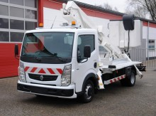 Renault telescopic platform commercial vehicle