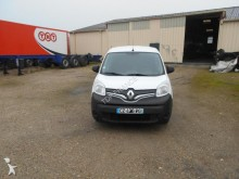 automobile pick up Renault