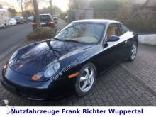 Porsche coupé car