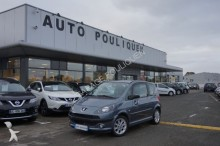 automobile monovolume Peugeot
