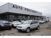 automobile familiare Ford