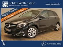 automobile berlina Mercedes