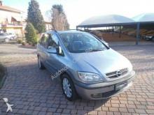 automobile berlina Opel