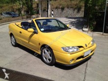 automobile decapottabile Renault
