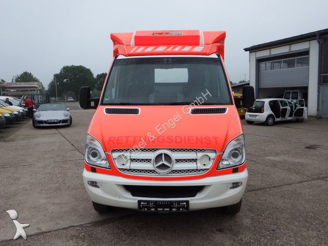 ambulance mercedes sprinter 519 cdi rettungswagen klima occasion n 1792417. Black Bedroom Furniture Sets. Home Design Ideas