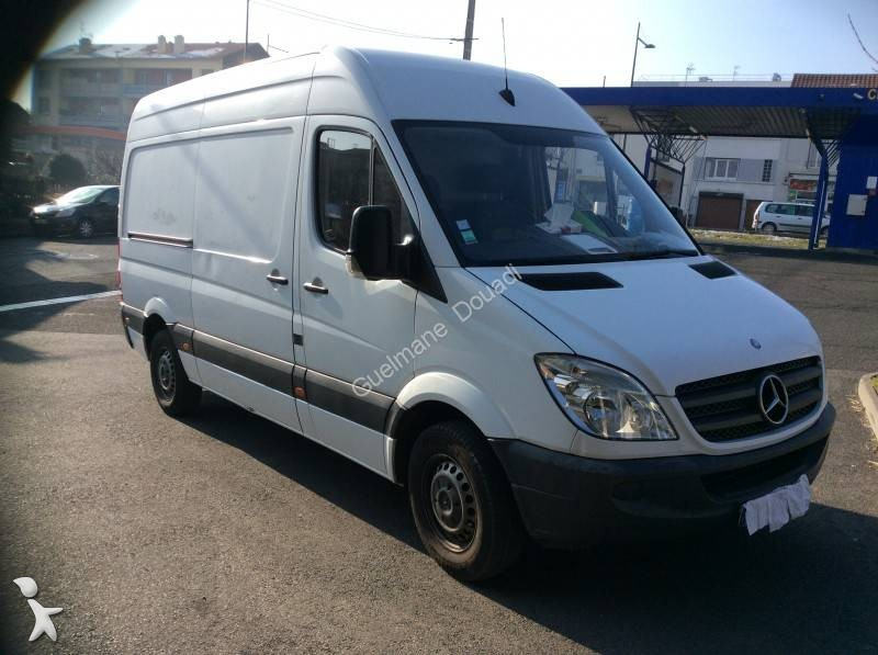 fourgon utilitaire mercedes sprinter 210 cdi 37s occasion n 1890317. Black Bedroom Furniture Sets. Home Design Ideas