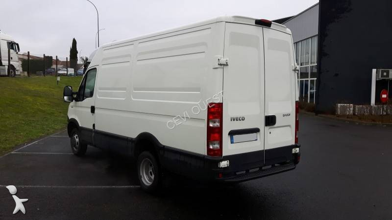 fourgon utilitaire iveco daily 35c13v12 4x2 occasion