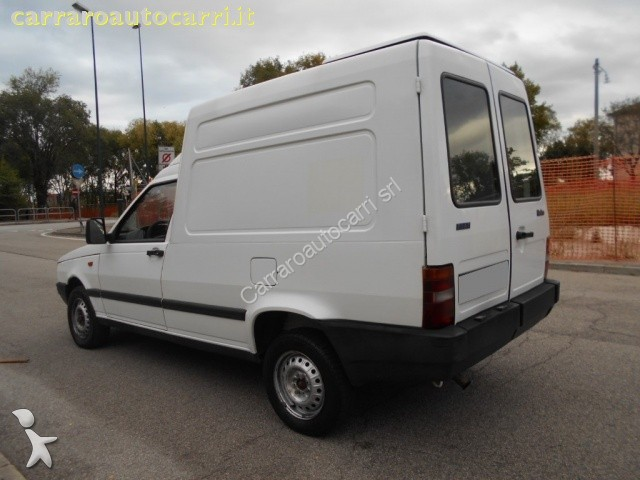 autres utilitaires fiat fiorino fiorino 1 7 turbodiesel furgone lupo occasion n 1789879. Black Bedroom Furniture Sets. Home Design Ideas