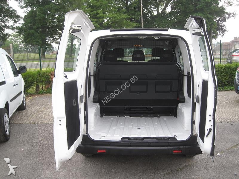fourgon utilitaire nissan nv200 1 5 dci 90cv cabine approfondie 5 places occasion n 1818350. Black Bedroom Furniture Sets. Home Design Ideas