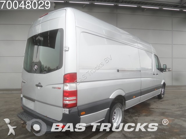 fourgon utilitaire mercedes sprinter 518 3 0 cdi l3h2 15m3 klima ahk aut 3 0 occasion n 1888800. Black Bedroom Furniture Sets. Home Design Ideas