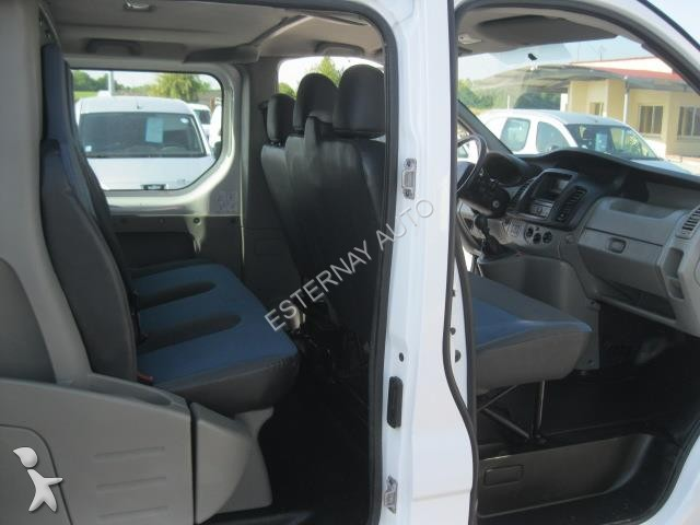 fourgon utilitaire renault trafic renault trafic l1h1 dci115 6 places occasion n 1320987. Black Bedroom Furniture Sets. Home Design Ideas