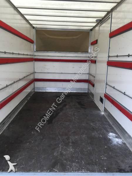 utilitaire caisse grand volume mercedes sprinter 513 cdi. Black Bedroom Furniture Sets. Home Design Ideas