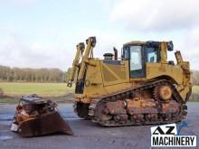 bulldozer Caterpillar D8T with Ripper
