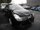 carro Alfa-Roméo acidentado