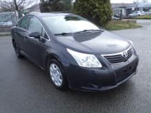 samochód osobowy Toyota używany